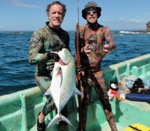 Jay and Scott spearfishing