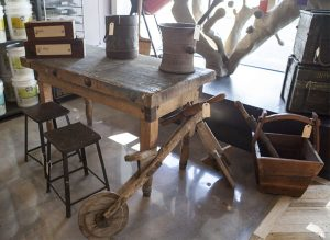 Examples of Reclaimed Wood projects by EcoSimplista